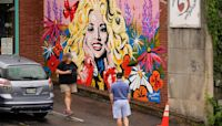 Mural highlights Dolly Parton's Black Lives Matter quote
