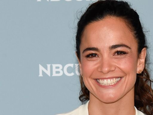 'Queen of the South' Actor Alice Braga to Star in Netflix Thriller 'Ivy'