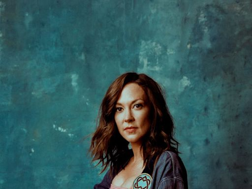 'I'm on your side': Amanda Shires enlists Cyndi Lauper, Sheryl Crow and others on abortion song 'Our Problem'