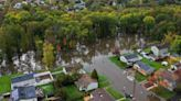 Nor'easter causes flooding, leaves hundreds of thousands in the dark