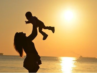 還在煩惱母親節禮物嗎?高濃度魚油、葉黃素最夯!高品質保健食品撇步大公開
