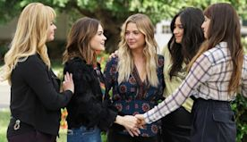 'Pretty Little Liars' cast to host a live chat for charity