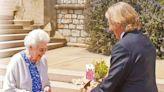 隔空傳愛 菲臘親王百歲冥壽 英女王收花甜在心頭 - 新聞 - am730