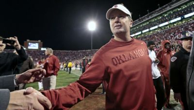 Look: Bob Stoops Reacts To Latest USC Rumors