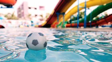 母尿急消失20分鐘!獨留5歲女兒泳池玩水溺斃 父控:鄰居推的