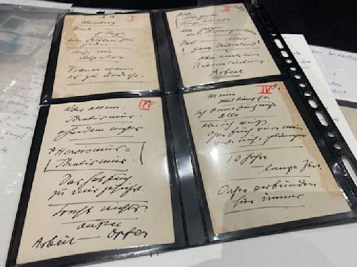 Hitler under the hammer: speech cards auctioned in Munich