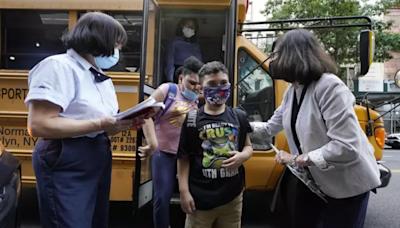 紐約強制教師打疫苗 聯邦法院再叫停 29日緊急聽證