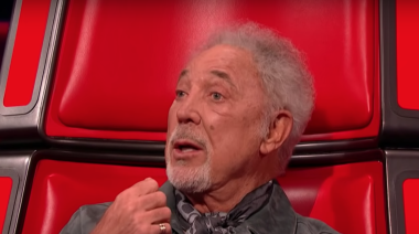 The Voice UK: Tom Jones leaves viewers 'absolutely bawling' after emotional performance