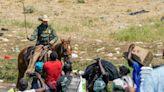 騎警揮鞭驅趕移民惹眾怒 美宣布暫停邊境騎馬巡邏