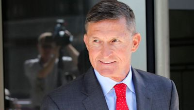 Michael Flynn Spreads Bizarre Conspiracy Theory About Vaccines In Salad Dressing