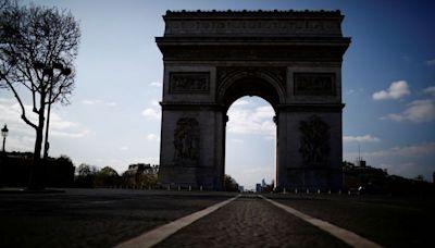 Arc de Triomphe bomb alert in Paris lifted: police