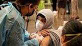 搶救疫苗覆蓋率:美國要求聯邦雇員打疫苗、民眾接種可拿2800台幣「獎勵金」 - The News Lens 關鍵評論網