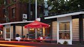 這家餐廳外牆由塑膠瓶蓋成!有良好採光還能承受颶風,如何賦予垃圾新生命?|數位時代 BusinessNext