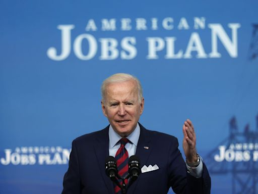 Biden says he's 'prepared to compromise' on infrastructure plan during meeting with bipartisan group of lawmakers