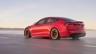 測試車配 21 吋大輪圈:Tesla Model S Plaid 性能房車 EPA 續航「只有」560 公里