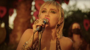 Watch Miley Cyrus Cover Pearl Jam's 'Just Breathe' During Backyard Sessions