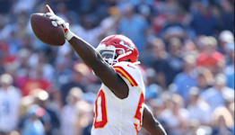 WATCH: Chiefs' Willie Gay Jr. snags incredible interception vs. Titans in Week 7