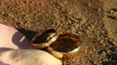 Caiman Islands snorkeler follows squid to man's lost wedding ring