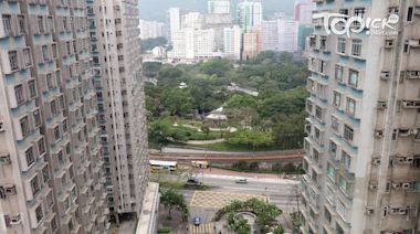 【屯門雙屍命案】警方指死者二人結婚近40年生前關係良好 正調查行兇動機 - 香港經濟日報 - TOPick - 新聞 - 社會