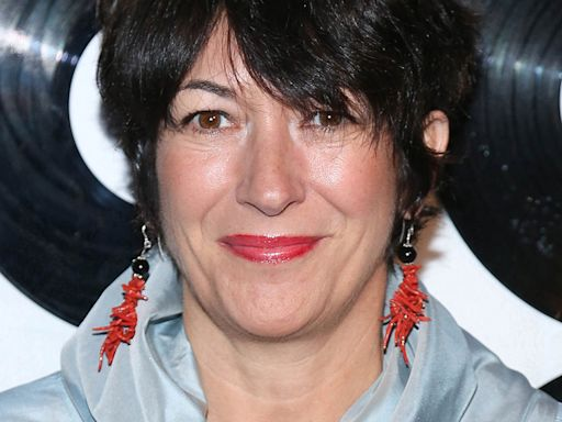 Ghislaine Maxwell's lawyers argue for pretrial secrecy, comparing her to Gov. Cuomo, Harvey Weinstein and Anthony Weiner