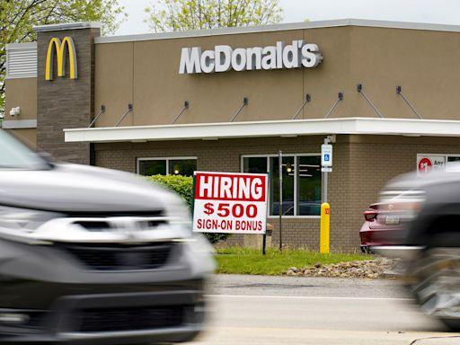 勞資糾紛 促提高最低時薪至15美元 美國15個城市麥當勞擬19日罷工   蘋果日報