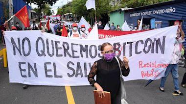 氣死!薪水全變比特幣 薩爾瓦多民眾上街抗議 - 自由財經
