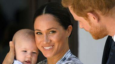 哈利梅根與英女王視訊...2歲愛子一開口卻是濃濃「美國口音」