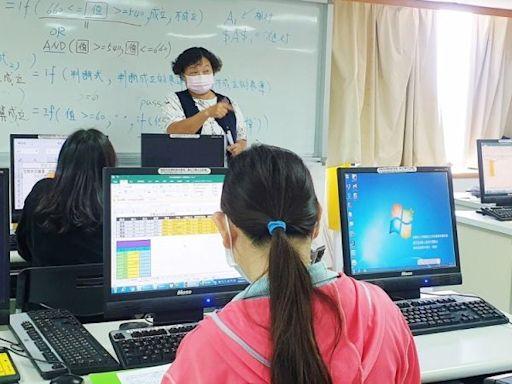 勞工局「用心聽見」助視障人員就業