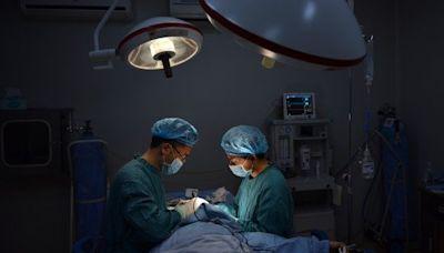 17%中國男性白領員工接受過整容手術(圖) - 戈御詩 - 大陸時政