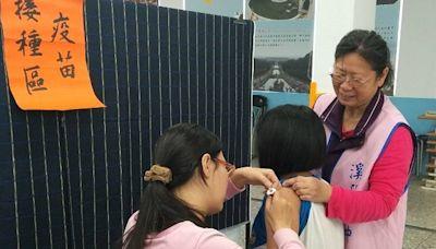 預防國高中生打BNT暈針 彰化縣規劃救護車戒備