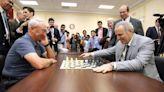 Kasparov critica represión en Cuba y pide a España pronunciarse en caso de ajedrecista detenido