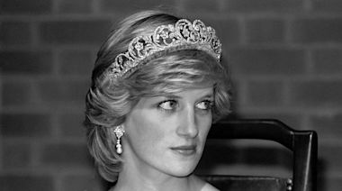 """Princess Diana's Friends and Fans Say """"The Crown"""" Is Hard to Watch"""