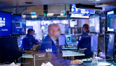 Dow futures tumble more than 600 points as September slide intensifies