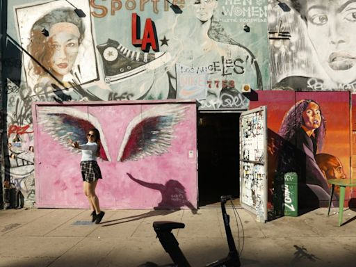 A year into the pandemic, L.A.'s trendy Melrose Avenue is still struggling