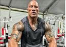 巨石強森健身房破相濺血!遭「22公斤器材弄傷」