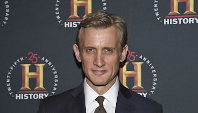 Veteran legal analyst Dan Abrams will join NewsNation with a prime-time show