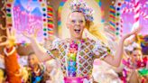 Teenage YouTube icon JoJo Siwa figures she's queer and pansexual