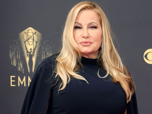 People Can't Get Enough Of Jennifer Coolidge At The 2021 Emmys Because Yeah, She's Hilarious