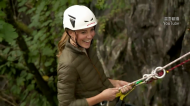 凱特王妃高衣Q! 攀岩「短靴+軍綠外套」帥氣又時尚