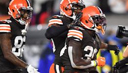 Watch Joe Thomas breakdown two big plays from Thursday Night Football
