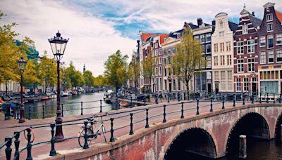 Bicis, canales, cervezas, parques, tulipanes: los múltiples encantos de Ámsterdam en verano