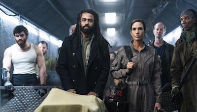 ... For Season 2 Premiere; Showrunner Graeme Manson Teases Birth Of A New Democracy — New York Comic Con