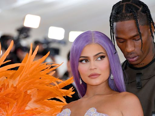 Travis Scott and Kylie Jenner Spotted on 'Triple Date' With Biebers, Kendall, and Devin Booker