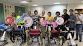 感念父母撫育 捐新北5台輪椅型履帶爬梯機