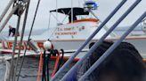 Marinero salva a nadadora náufraga en la costa de California