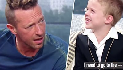 Watch Kelly Clarkson's son hilariously interrupt Chris Martin midsong