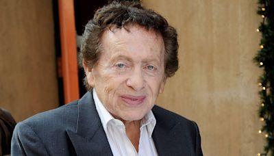 Comedian Jackie Mason dies at 93