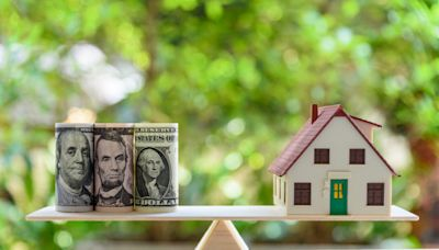 U.S Mortgage Rates Fall for the First Time in 9-Weeks