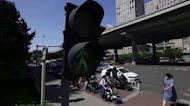Google tries to make traffic lights more efficient with AI