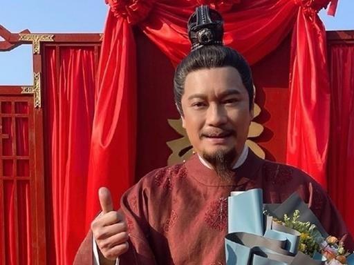 TVB三屆視帝接拍網大,甘願給小鮮肉作配,北上淘金賺得盆滿缽滿